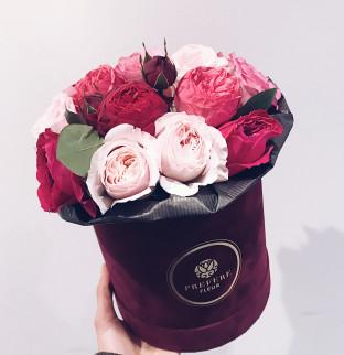 Pivoňkové růže v krabici #3