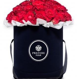 Классические красные розы в шляпной коробке Black