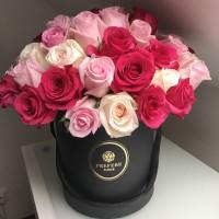 Růže mix v kloboukové krabici