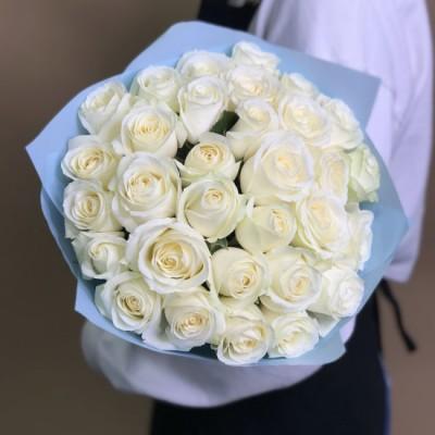 29 bílých růží