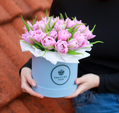 Tulips in a hat box