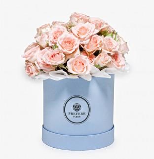 Кустовые розы в шляпной коробке Demi
