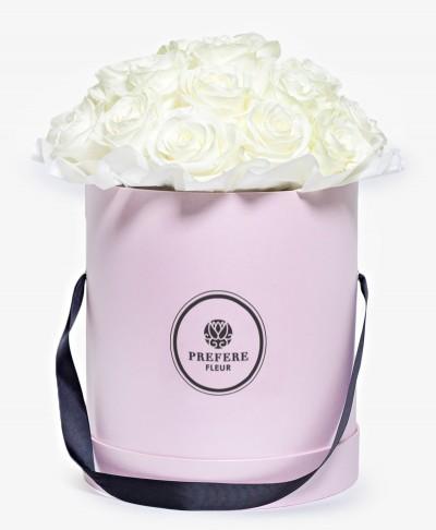 Bílé růže v kloboukové krabici Grand Pink